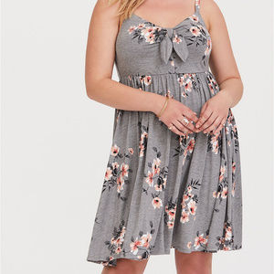 [TORRID] Grey Floral Jersey Bow Front Dress